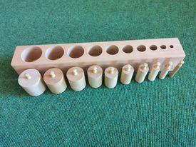 Montessori Material für Kleinkinder